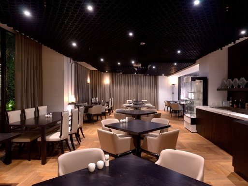 Long BAR長吧餐廳(HOTEL WO 窩飯店)
