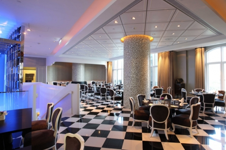 bar & restaurant a³ 新義式餐廳